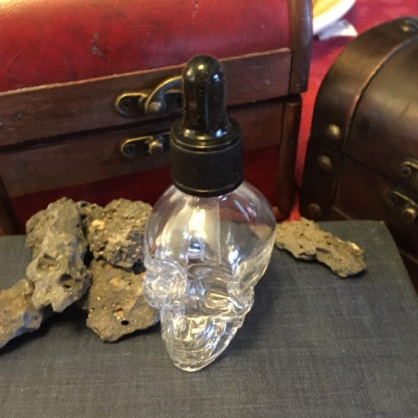 Skull dropper bottle