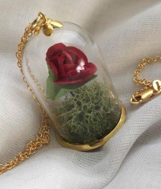 'Belle et la Bete' necklace in gold