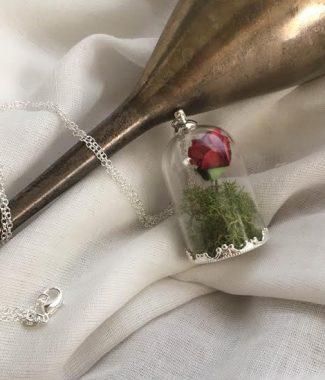'Belle et la Bete' necklace in silver