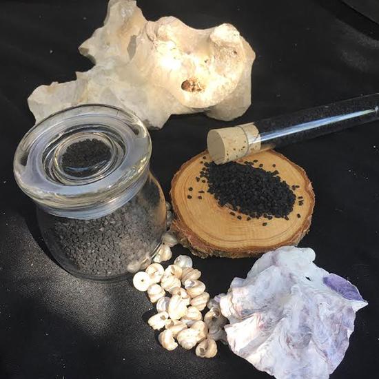 Hawai'ian Black Lava Sea Salt 2