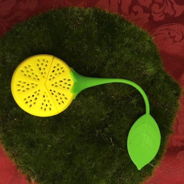 Lemon Tea Infuser in Repose